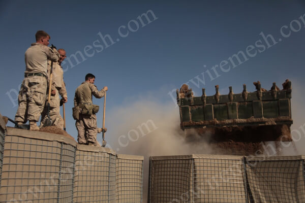 MIL 7 Military Defensive Blast Barrier/Wall 2.21m Height×2.13m Width×27.74m Length China Factory