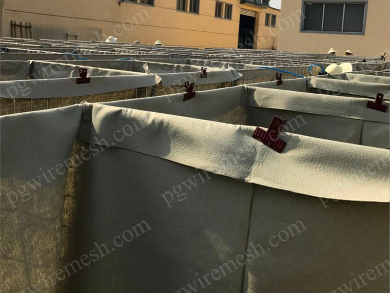 Hot-dipped galvanized military sand wall hesco defensive barrier bastion China factory/manufacturer