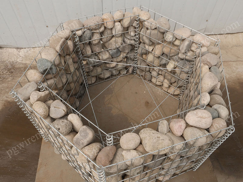 Welded Gabion Baskets Retaining Wall Gabion Cage Filled With Stones